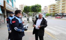 Free masks started to be distributed to everyone in Alanya.